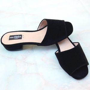 Shellys London NWOB Black Velvet Open-Toe Mules